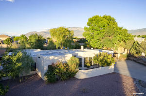 309 Quebrada Lane NE