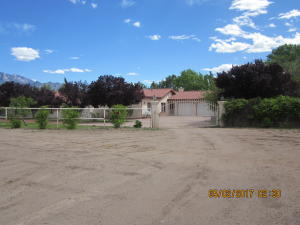 413 Santa Ana Circle, Bernalillo, NM 87004