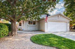 916 Tiffin Meadows Drive NE, Rio Rancho, NM 87144