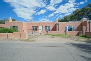 305 Lagunitas Road SW, Albuquerque, NM 87105