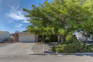 1141 Sandia Vista Road NE, Rio Rancho, NM 87144