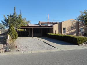 4965 Chromium Drive NE, Rio Rancho, NM 87124