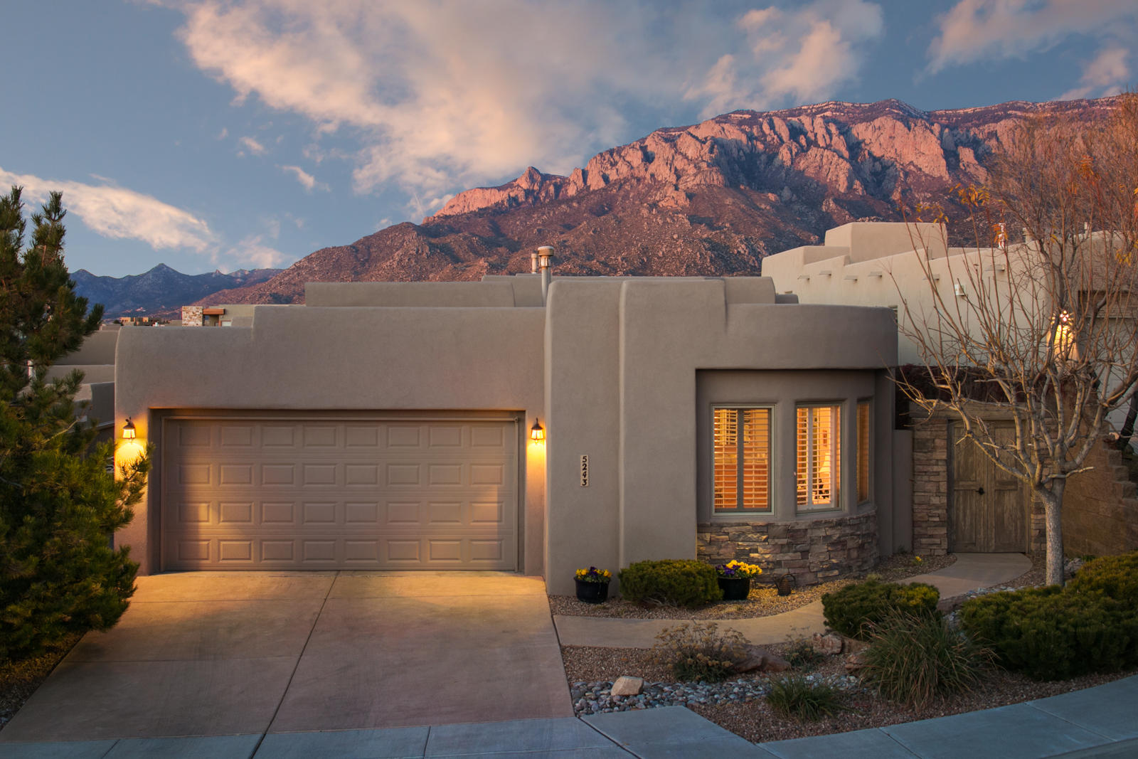 5243 Foothills Trail NE Albuquerque Home Listings - Sandi Pressley Real Estate