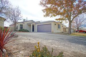 1605 Skyview Circle NE, Rio Rancho, NM 87144