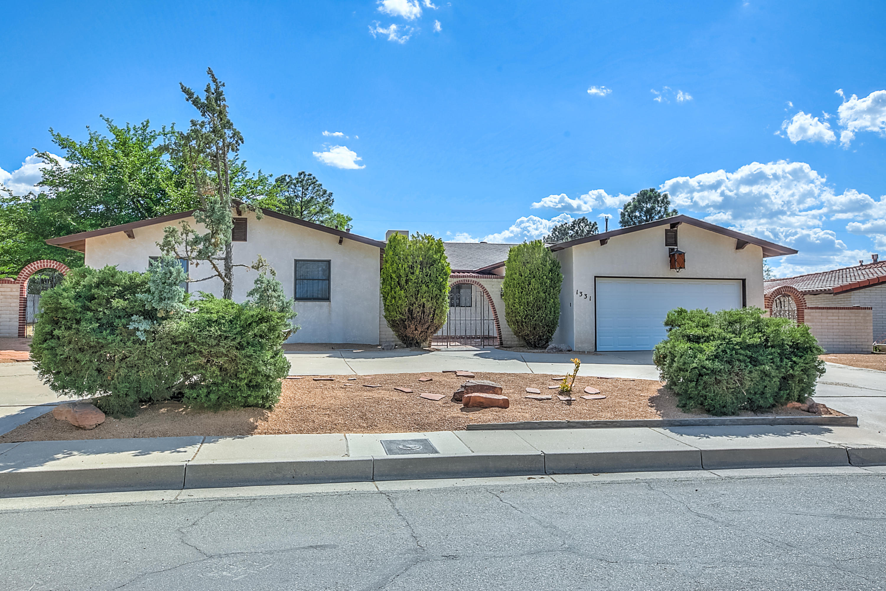 1331 Hertz Drive SE Albuquerque Home Listings - RE/MAX Elite Albuquerque Real Estate
