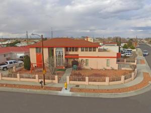 5605 Alta Vista Court SW