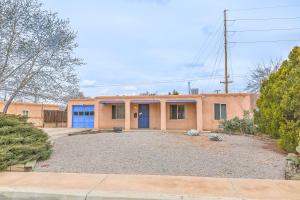 2719 Vista Larga Avenue NE, Albuquerque, NM 87106