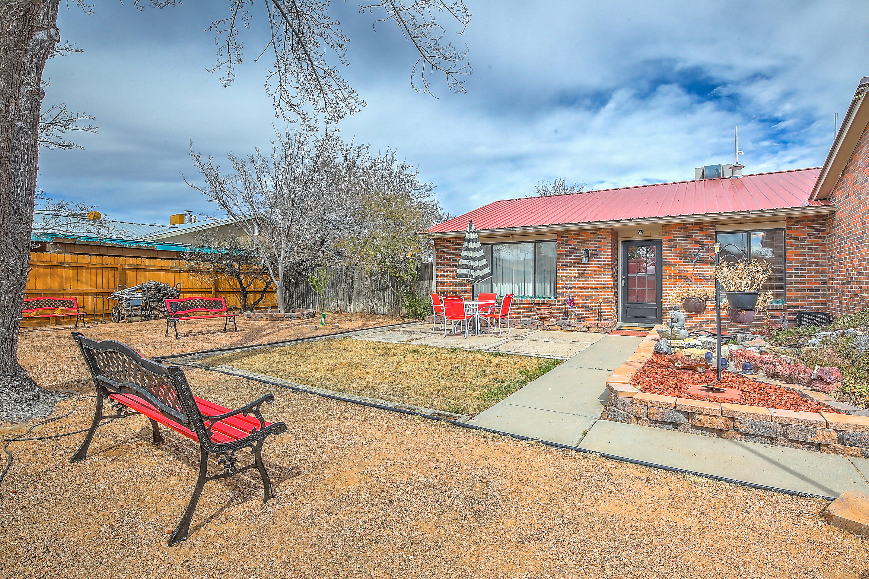 9908 Plunkett Drive NW Albuquerque Home Listings - RE/MAX Elite Albuquerque Real Estate