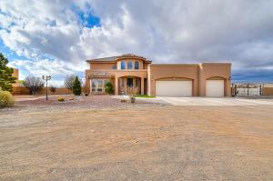 900 Starry Sky Avenue NE, Rio Rancho, NM 87144