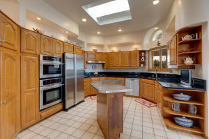 46 Placitas Trails Kitchen 1
