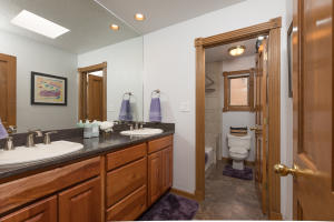 46 Placitas Trails Hall Bath