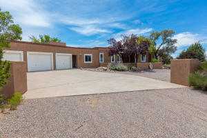 46 Placitas Trails Ext Front 2