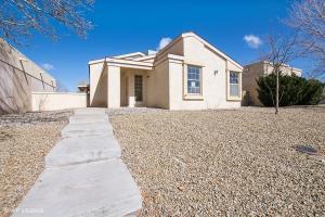 1705 Skyview Circle NE, Rio Rancho, NM 87144