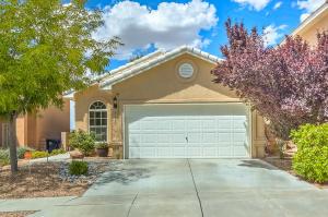 7135 Boxwood Avenue NE, Albuquerque, NM 87113