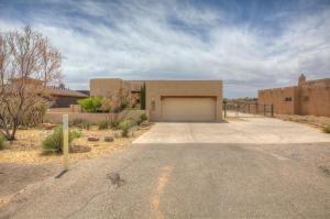 5870 Kim Road NE, Rio Rancho, NM 87144