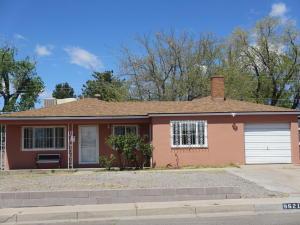 9621 Snow Heights Boulevard NE, Albuquerque, NM 87112