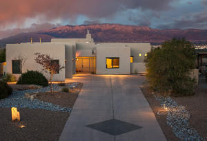 3904 Alamogordo Drive NW, Albuquerque, NM 87120