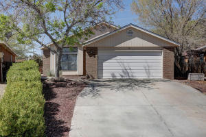 3201 Running Bird Place NW, Albuquerque, NM 87120