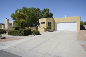 1421 Monte Largo Drive NE, Albuquerque, NM 87112