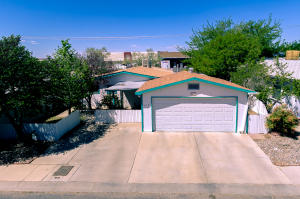 5115 Stream Court NE, Albuquerque, NM 87113