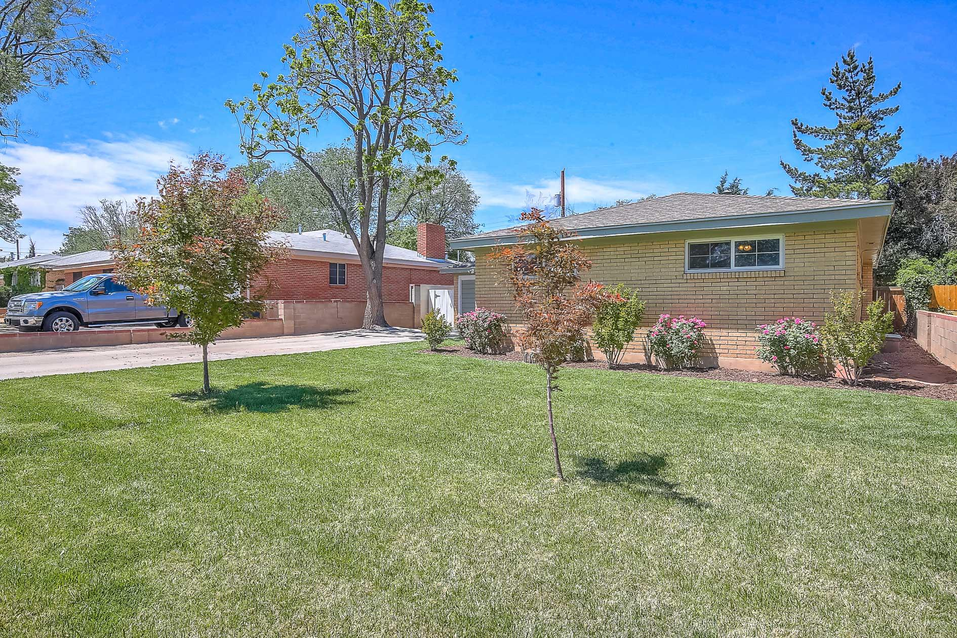 437 Graceland Drive SE Albuquerque Home Listings - RE/MAX Elite Albuquerque Real Estate