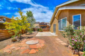 7708 Woodstar Avenue NW, Albuquerque, NM 87114