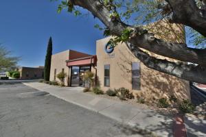 2823 Richmond Drive NE, Albuquerque, NM 87107