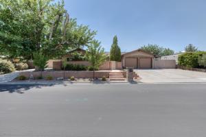10317 Jarmel Drive NW, Albuquerque, NM 87114