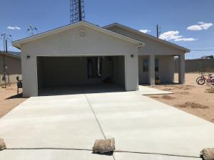 352 Maxine Street NE, Albuquerque, NM 87123