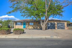 1112 Arizona Street NE