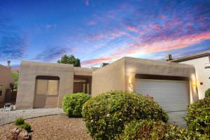 7019 Terrazas Road NW, Albuquerque, NM 87114