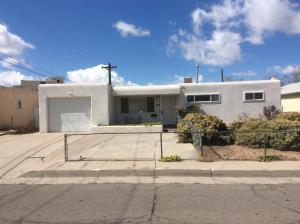 2121 Martha Street NE, Albuquerque, NM 87112