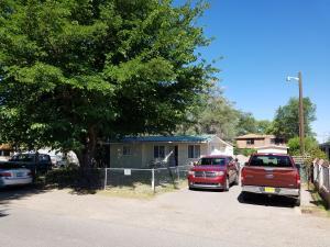 2037 Minnie Street SW, Albuquerque, NM 87105