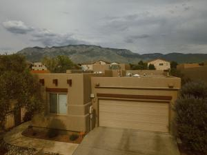 8931 Desert Fox Way NE, Albuquerque, NM 87122