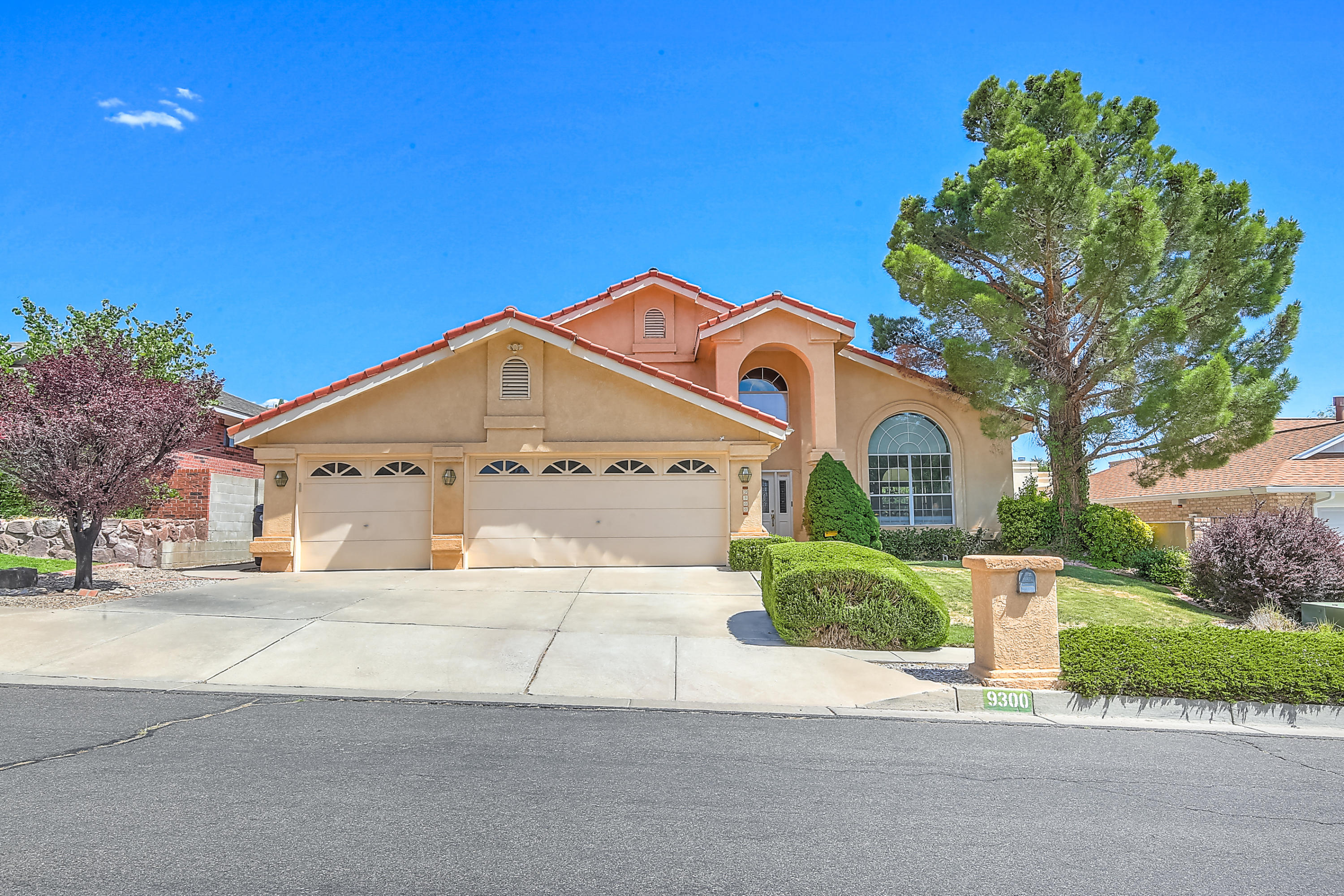 9300 Thornton Avenue NE Albuquerque Home Listings - RE/MAX Elite Albuquerque Real Estate