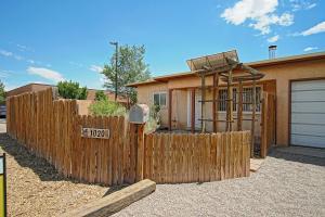 1020 Griegos Road NW, Albuquerque, NM 87107