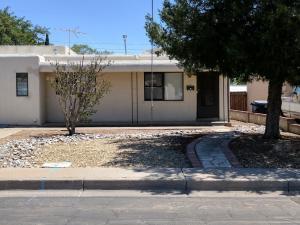 9804 Woodland Avenue NE, Albuquerque, NM 87112