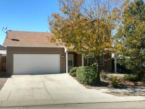 10465 Pamplona Street NW, Albuquerque, NM 87114