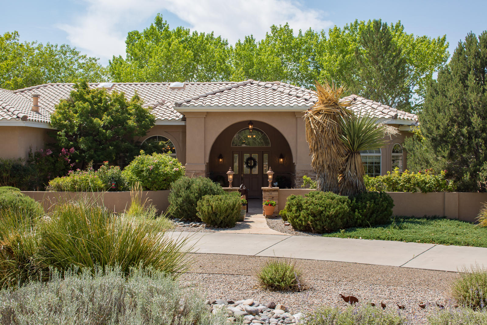 9509 Dancing River Drive NW Albuquerque Home Listings - Sandi Pressley Real Estate