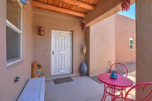 1509 Mountain Road NW, Albuquerque, NM 87104