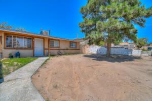 305 65Th Street SW, Albuquerque, NM 87121