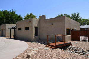 Property for sale at 1521 Kit Carson Avenue SW, Albuquerque,  NM 87104