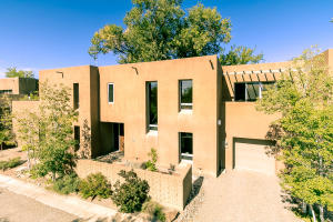 Property for sale at 916 Acequia Escondida NW, Albuquerque,  NM 87104