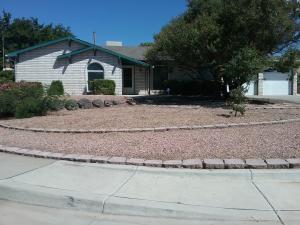 6443 Louise Place NE, Albuquerque, NM 87109