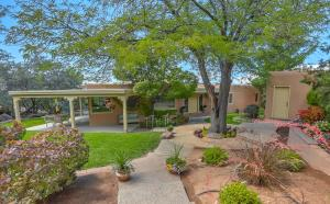 Property for sale at 318 Big Horn Ridge Drive NE, Albuquerque,  NM 87122