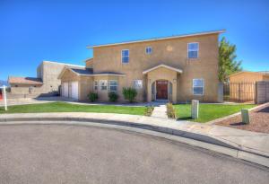 6412 Pima Place NW, Albuquerque, NM 87120