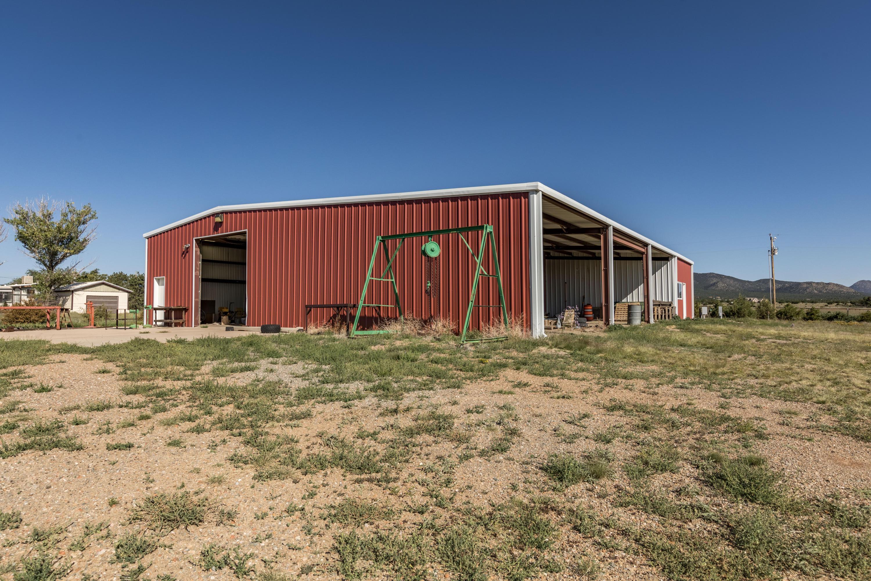 R11 Barn & Storage