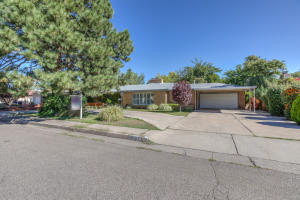 Property for sale at 1715 Escalante Avenue SW, Albuquerque,  NM 87104