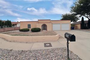 5904 Tioga Road NW, Albuquerque, NM 87120