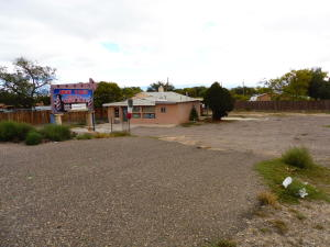1816 Coors Boulevard SW, Albuquerque, NM 87105